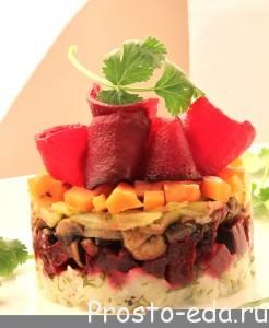 Вегетарианский Русский салат с грибами