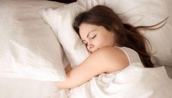 Эти продукты помогут вам заснуть