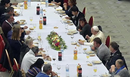 Благотворительный ужин для бедняков