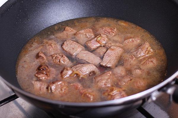 Тушение мяса