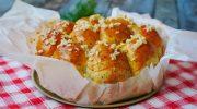 Воздушные пампушки с укропом и чесноком на воде и без яиц: очень вкусно к борщу, супу или даже просто так