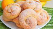 Рецепт, который никогда не подводит: слоистое сахарное печенье на кефире
