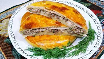 Осетинские мясные лепешки: минимум мороки, тонкое тесто и много сочной начинки