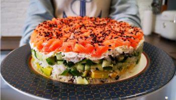 Изысканный салат «Суши-торт» для самых дорогих гостей — соблазнительный вид, потрясающий вкус
