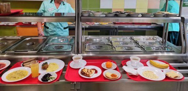 Обед в школе СПб