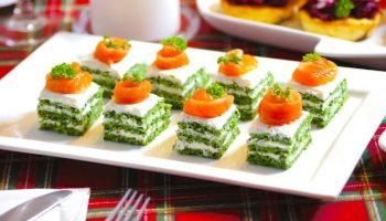Очень красивые и вкусные закусочные пирожные с красной рыбой — оторваться невозможно