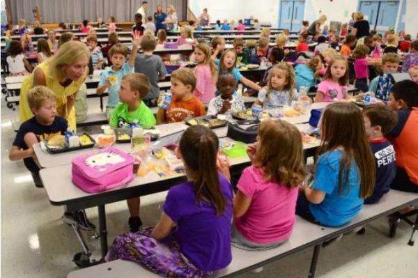 Обед в американской школе