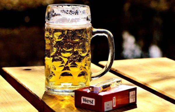 Откурения и алкоголя надо отказаться. Фото live24.ru