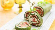 Очень красивый и вкусный пасхальный зелено-розовый рулет