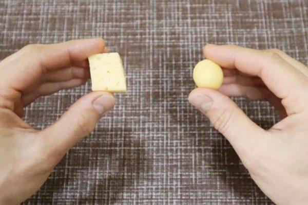 ПОддельный сыр лепится как пластилин. Фото novate.ru