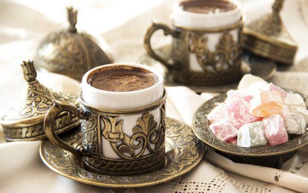 Кофе по-турецки с рахат-лукумом. Фото livejournal