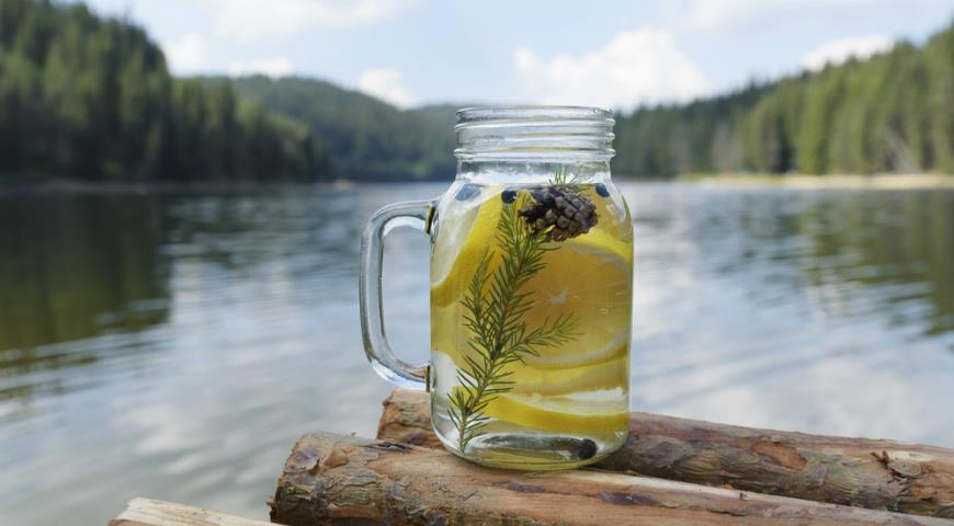 Лимонный лимонад. Фото gastronom.ru