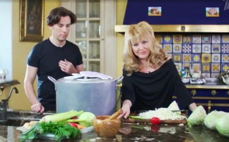 Пугачева и Галкин готовят фирменный суп. Фото