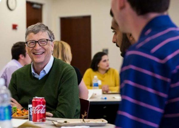 Билл Гейтс любит фаст-фуд. Фото rb.ru