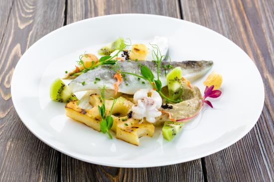 Ресторанное блюдо из Ледяной. Фото tripadvisor.com