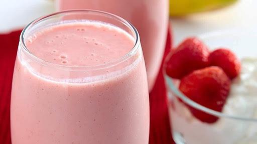Питьевой йогурт. Фото foodnewstime.ru